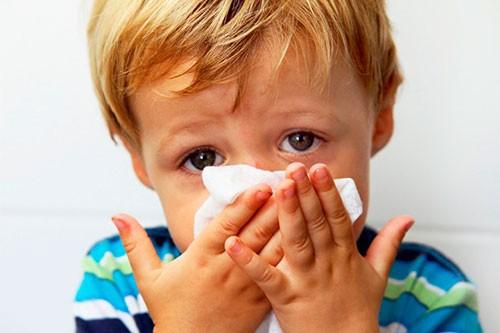 Часто болеет ребенок: нужно ли идти к иммунологу?