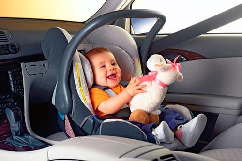 Как организовать путешествие на машине с младенцем