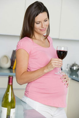 Можно ли употреблять аклоголь во время беременности?