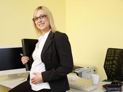 Беременные женщины и работа. Проблема увольнения.