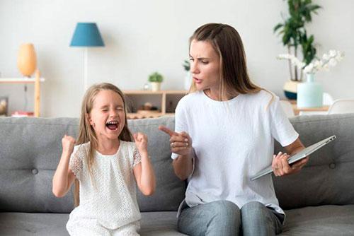 Почему ребенок стал несносным: 10 причин плохого поведения