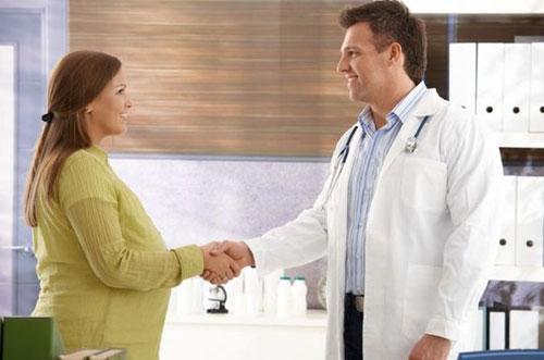 Как выбрать специалиста для родов?