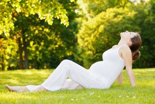 Как с радостью и пользой провести лето беременной женщине?